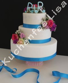 Wedding Cake with fresh Flowers ! Summer Wedding Cake ! Kuchenfee german cake Fairy