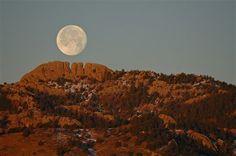 Wolf Moon 2012 over Horsetooth