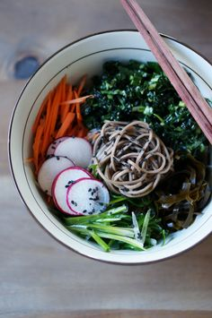 A wholesome lunch: soba salad.