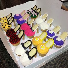 High heels cupcakes  http://diylifestyle.org/