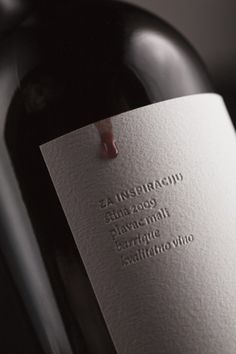 Cool wine label idea. nice and simple.