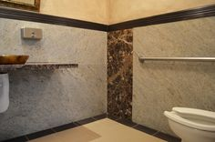Men´s restroom.
