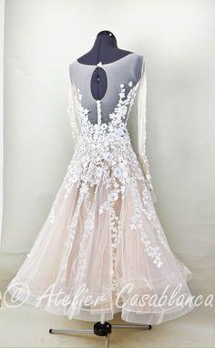 Jazz Dance Costumes, Belly Dance Costumes, Tuxedo Wedding, Wedding Tuxedos, Salsa Dress, Wedding Ideas, Wedding Poses, Wedding Pictures, Wedding Details