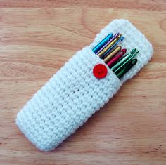 Crochet hook case with scissor strap