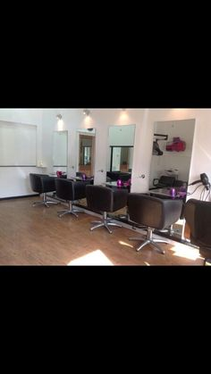 Hair.comb Hairdressers interior, Burntisland