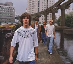 The stone roses<br> Indie Fashion Men, Hip Hop Fashion, Outfit Essentials, Stone Roses, Music X, Rock Music, Indie Music, 90s Pop Culture, Indie Kids