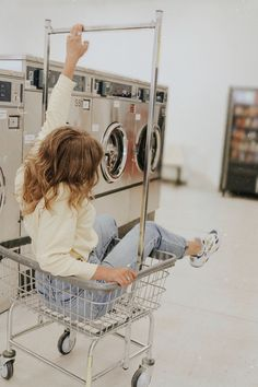 @ the laundromat - Modeling poses - Fotoshooting Indie Photography, Vintage Photography, Street Photography, Portrait Photography, Photography Ideas, Teen Photo Shoots, Aesthetic Photo, Picture Poses, Laundry Shoot