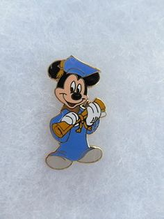 Rare Disney World Cast Member Graduate Mickey Co-op Pin