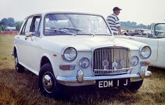 Vanden Plas Princess 1300 Mk III Classic Mini, Classic Cars, Vintage Cars, Antique Cars, Austin Cars, Road Transport, Jaguar, Wonders Of The World, United Kingdom