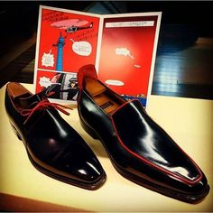 You know it is a Corthay shoe with a single look- black calf pairing with a red piping on the Arca and on the Brighton.