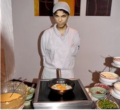 After Prince told Arsenio Hall how much he loves cooking omelets, it didn't take long for these photos to surface. Prince Images, Pictures Of Prince, Prince Concert, Funny Photoshop, Baby Prince, Dearly Beloved, Roger Nelson, Prince Rogers Nelson, Purple Reign