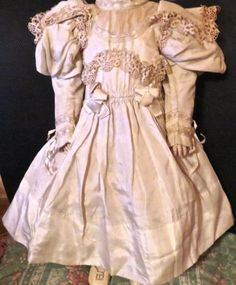 Antique-Ivory-Silk-w-Lace-Original-French-Bru-Jumeau-Steiner-Bisque-Doll-Outfit