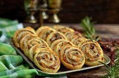 roladki zciasta francuskiego Polish Recipes, Baked Potato, Tapas, Sausage, Grilling, Appetizers, Menu, Yummy Food, Snacks