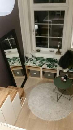 IKEA hack - Trofast as stair to loft in teenage bedroom