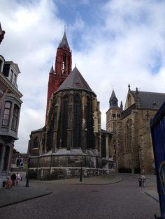 Prachtige kerken aan de rand van het Vrijthof. Foto Siep van der Veen