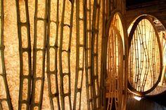 Escritório de arquitetura cria construções luxuosas feitas com bambu