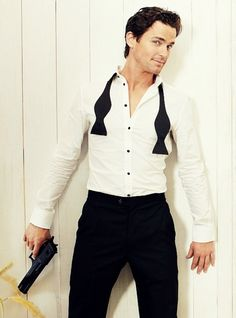 alibevins:  Oh dear god. Neal Caffrey is too sexy. Irresistible.  This just too much. That look!