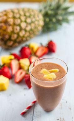Refreshing Strawberry Pineapple Smoothie  #BestSmoothie #VegaSmoothie