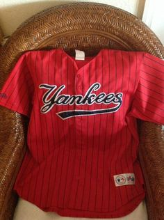 9da9f26f5 Majestic Vintage new york yankees MLB red Baseball jersey size XL Men s in  Sports Mem