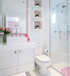 Lindo banheiro decorado com rosa