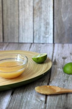 A no cook recipe for spicy chilled pineapple sauce with sweet notes of fresh pineapple, tangy lime juice, brown sugar and a dash of cayenne, http://www.thecookingjar.com/spicy-chilled-pineapple-sauce/
