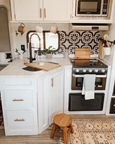 van home layout 654781233303410241 - Our new faucet was installed last weekend! van home layout 6 Tiny House Living, Rv Living, Kitchen Design, Kitchen Decor, Kitchen Ideas, Rv Homes, Tiny Homes, Van Home, Campervan Interior