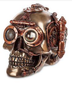 Mechanic Skull _________________________________#theskullcompany #skull #skulls #череп #черепа #kafkë#koponya #sọ #kranium #cranio #cráneo #두개골#Schädel #лобања #kafatası #lebka #skalle #頭蓋骨#мирчерепов #harleydavidson #harleydavison #hardstyle #hardcoreladies #bikers #hardcore #drift #motorcycle
