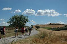Viaggiare a piedi in Italia e in Europa: gli itinerari più suggestivi