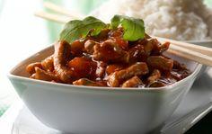 Bhud Priew Wharn (Hapanimelä possu)  But instead of pork I will use quorn!