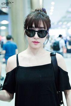 SNSD - Tiffany 티파니 Hwang MiYoung 황미영 airport commute 160729 #유행 #공항패션 #출근길 #오프숄더 #선글라스 #소녀시대