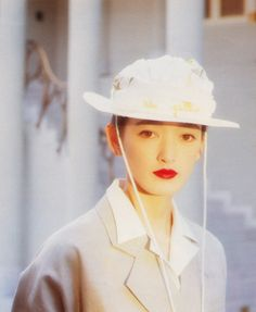 mauvais gout (sometimes) 80s Fashion, Fashion Outfits, Japanese Models, Elle Fanning, Art Model, Poses, Apparel Design, Aesthetic Pictures, Editorial Fashion