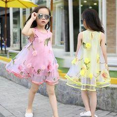 23 Ideas Fashion Kids Children Little Girls For 2019 Frocks For Girls, Kids Frocks, Little Dresses, Little Girl Dresses, Cute Dresses, Girls Dresses, Little Girl Fashion, Kids Fashion, Trendy Fashion