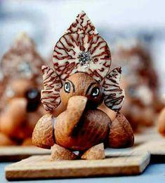 Clay Ganesha, Ganesha Art, Lord Ganesha, Ganesh Images, Ganesha Pictures, Ganesh Pooja, Festival Quotes, Krishna Flute, Bal Gopal