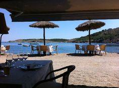 Restaurant Garbet,  en Colera. Ubicación inmejorable, cocina mediterránea.