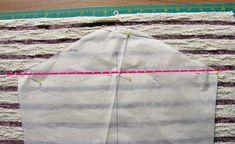 Streifenshirt nähen Ärmel zuschneiden Tricks, Fashion, Tee Shirt Cutting, Striped Fabrics, Sewing Clothes, Sewing Patterns, Hand Crafts, Tutorials, Crafting