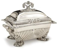 George III sterling silver tureen by Matthew Boulton, London, circa 1790 Silver Charms, Silver Necklaces, Silver Rings, Vintage Silver, Antique Silver, Bronze, Argent Sterling, Metal, Sheffield