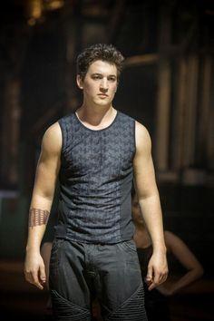 Divergent - Publicity still of Miles Teller Peter Divergent, Divergent Fandom, Divergent Trilogy, Divergent Insurgent Allegiant, Tris Et Quatre, Bae, Veronica Roth, The Fault In Our Stars, Celebs