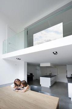 vide glas met eronder keukenruimte (zelfde opzet als ons huis)