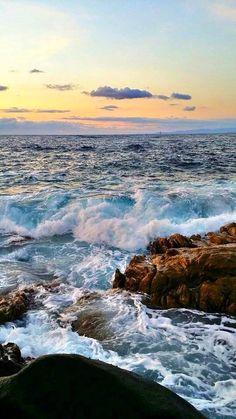 Sea And Ocean, Ocean Beach, Seascape Paintings, Landscape Paintings, Ocean Pictures, Sea Waves, Nature Scenes, Beautiful Landscapes, Wonders Of The World