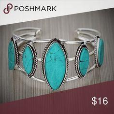 Silver & Turquoise Cuff Bracelet Brand new turquoise & Silver Western boho chic cuff bracelet Jewelry Bracelets