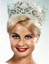 Marlene Schmidt came to fame as winner of the 1961 Miss Universe pageant. Later she had a career in the movie industry. Schmidt, Miss Universe Usa, Zombie Face Paint, Pageant Crowns, Beauty Contest, Miss America, Beautiful Inside And Out, Miss World, Beauty Pageant