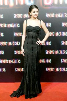 Selena Gomez Looks Sexy For 'Spring Breakers' MadridPremiere