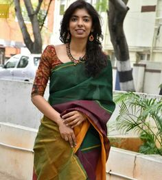 Blouse sarees for office Saree blouse designs, Saree red color kalamkari blouse - Red Things Blouse Patterns, Saree Blouse Designs, Kalamkari Blouse Designs, Saree Styles, Blouse Styles, Indian Dresses, Indian Outfits, Pakistani Outfits, Kalamkari Saree