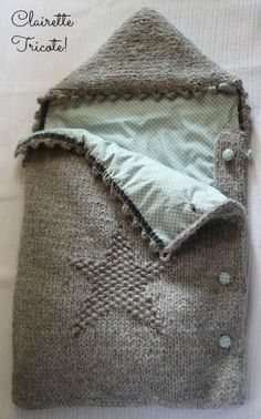 Stricken Un petit nid d'étoiles!/ A little nest of stars! Knitting For Kids, Baby Knitting Patterns, Free Knitting, Crochet Baby, Knit Crochet, Knitted Baby, Tricot Baby, Baby Pullover, Wearable Blanket