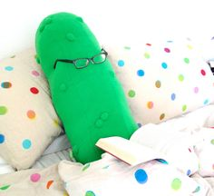 The+Giant+Pickle+Body+Pillow+You've+Always+Dreamed+Of