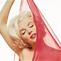 Marilyn Monroe photographer by Bert Stern, 1962.