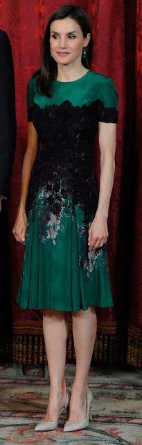 Dress:Caroline Herrera Shoes:Magrit