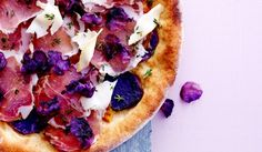 Sund pizza - Fuldkornspizza med blå kartoffel og parmaskinke | I FORM