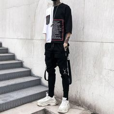 Discover recipes, home ideas, style inspiration and other ideas to try. Outfits Casual, Layering Outfits, Kpop Outfits, Grunge Outfits, Dark Fashion, Urban Fashion, New Fashion, Fashion Outfits, Edgy Mens Fashion