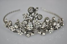 bridal tiara. gelin tacı